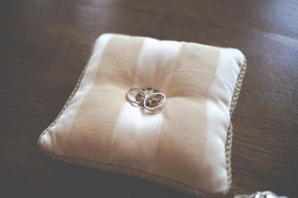 keighley-wedding-photographer-bradford-registry-office-silver-birch-chicca-2.jpg