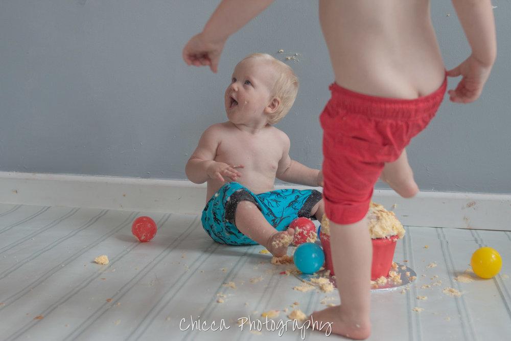 baby-child-cake-smash-photos-keighley-skipton-16.jpg