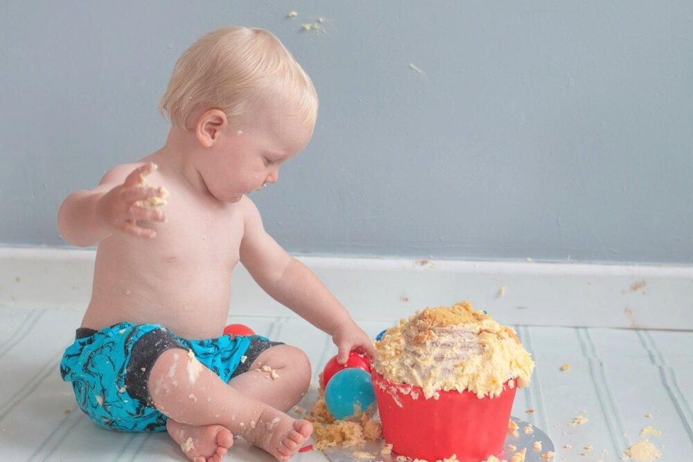 baby-child-cake-smash-photos-keighley-skipton-12.jpg