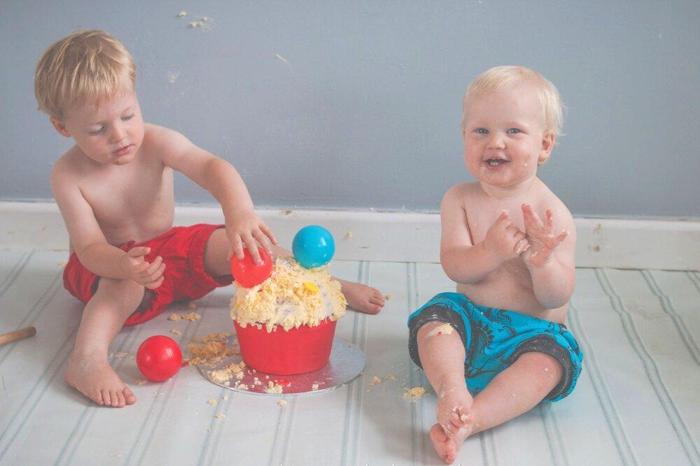 baby-child-cake-smash-photos-keighley-skipton-1.jpg