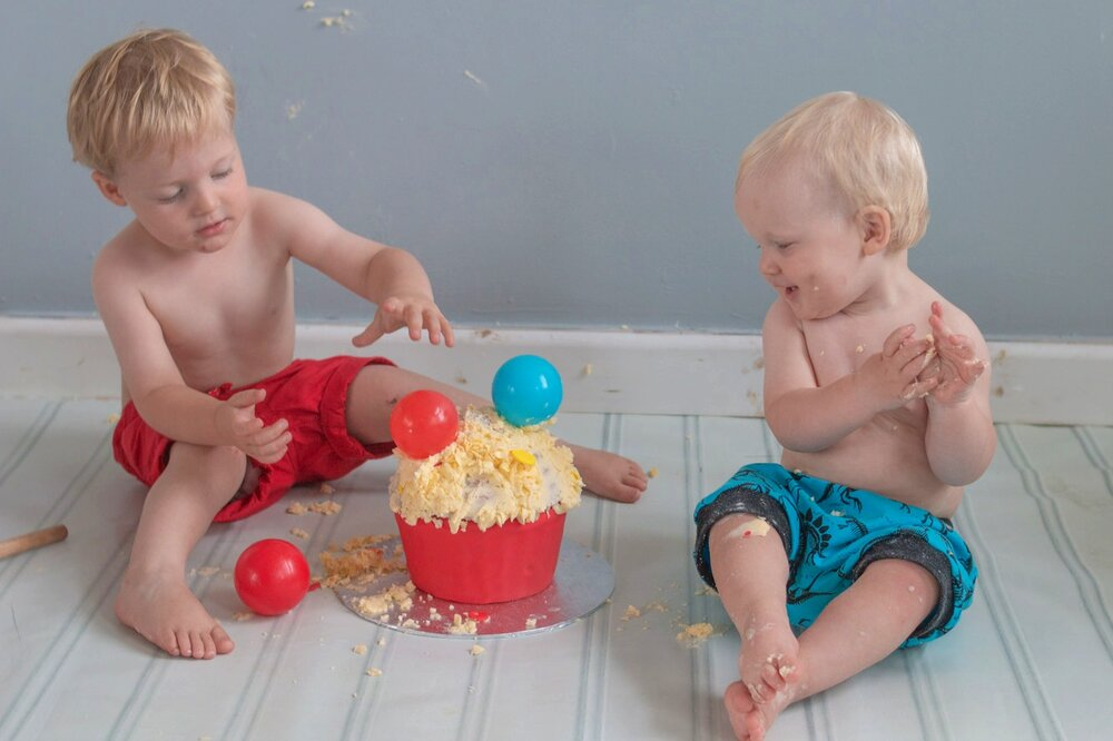 baby-child-cake-smash-photos-keighley-skipton-2.jpg