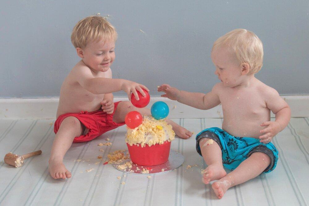 baby-child-cake-smash-photos-keighley-skipton-3.jpg