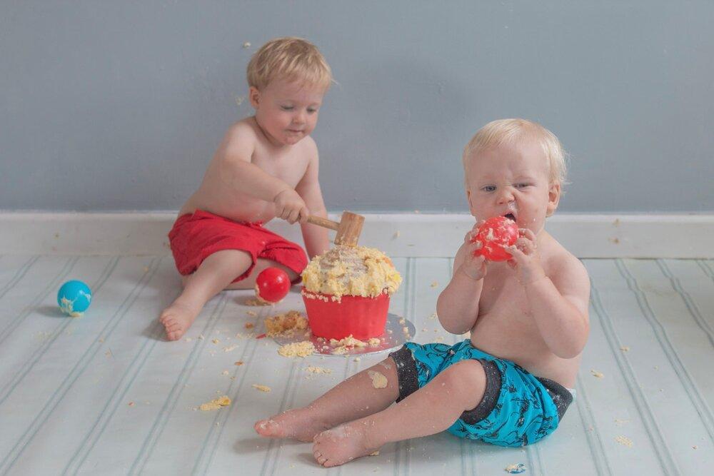 baby-child-cake-smash-photos-keighley-skipton-9.jpg