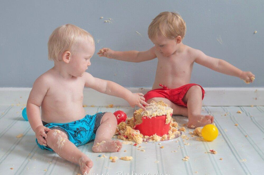 baby-child-cake-smash-photos-keighley-skipton-24.jpg