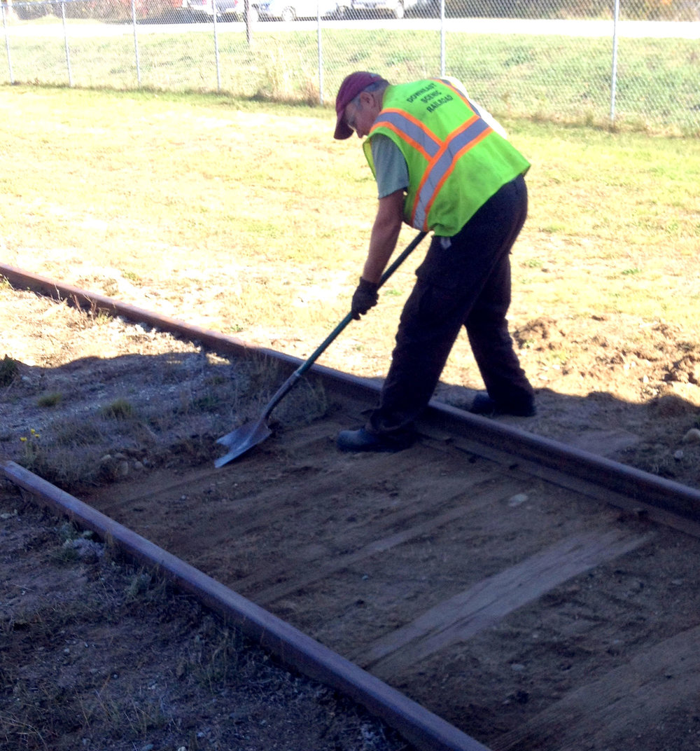 2014-10-14_Working 470s New Section of Track.jpg
