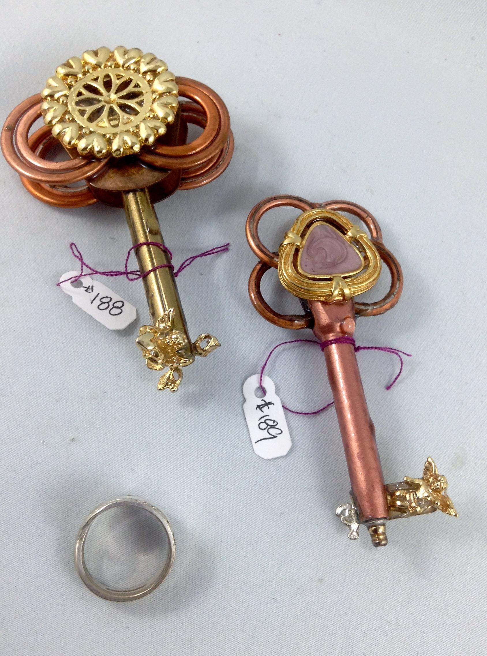 other side keys 188, 189