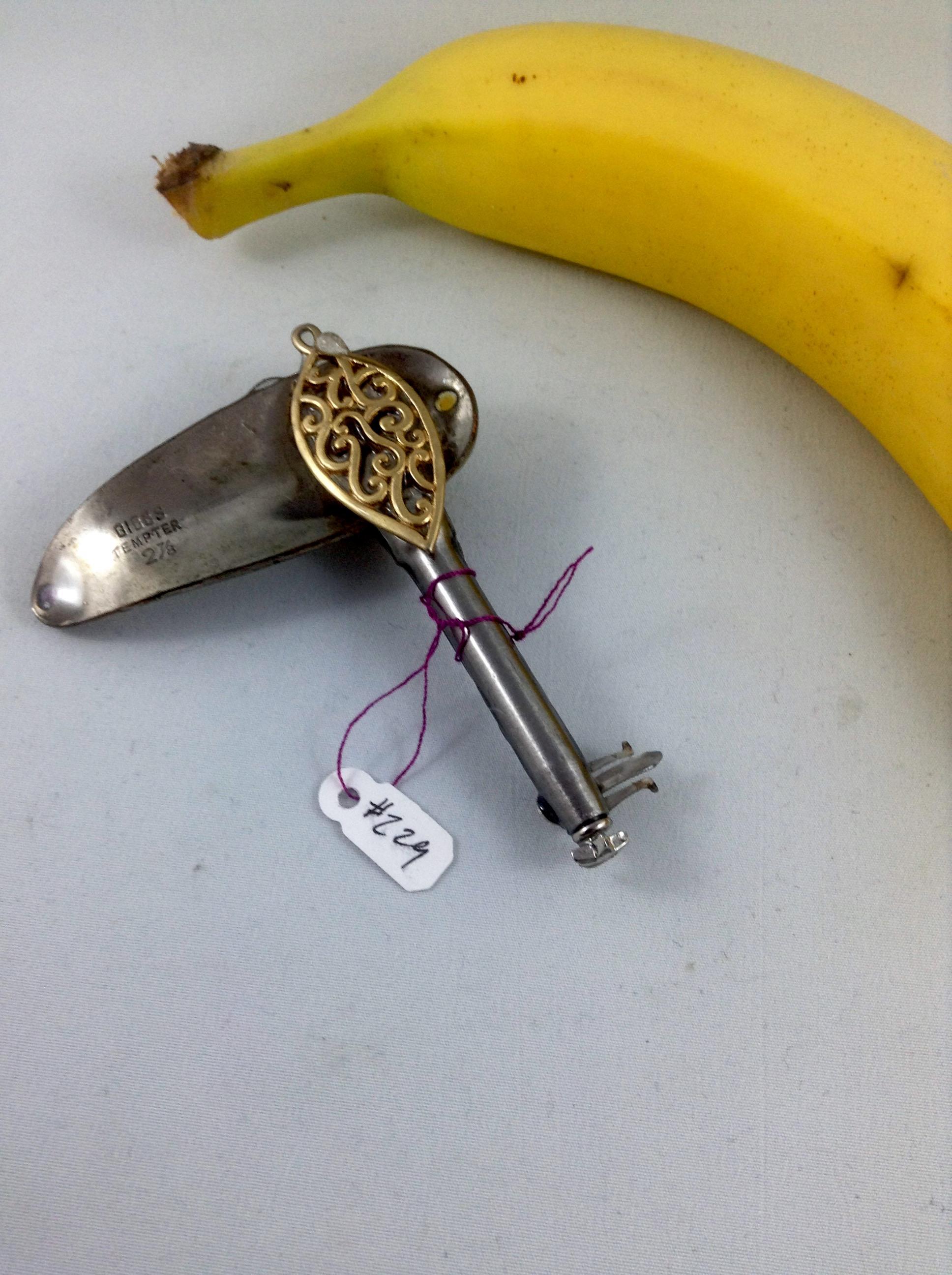 one side key 229