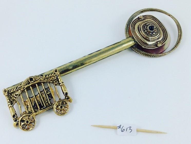 Key 613 one side