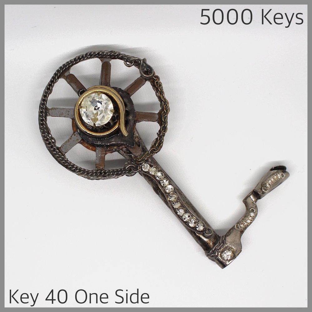 Key 40 one side - 1.JPG