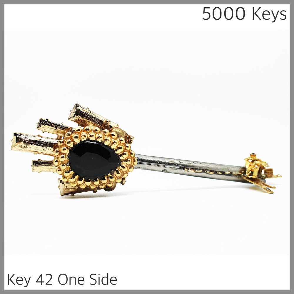 Key 42 one side - 1.JPG