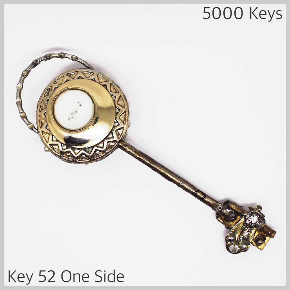 Key 52 one side - 1.JPG