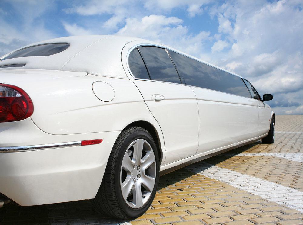 Limousine (White).jpg