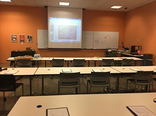 Almost ready 😀📊📈 ••• #entrepreneurship #bootcamp #brainpower #business101 #smallbusiness #oakparkpubliclibrary #egi #economicgrowthinitiative