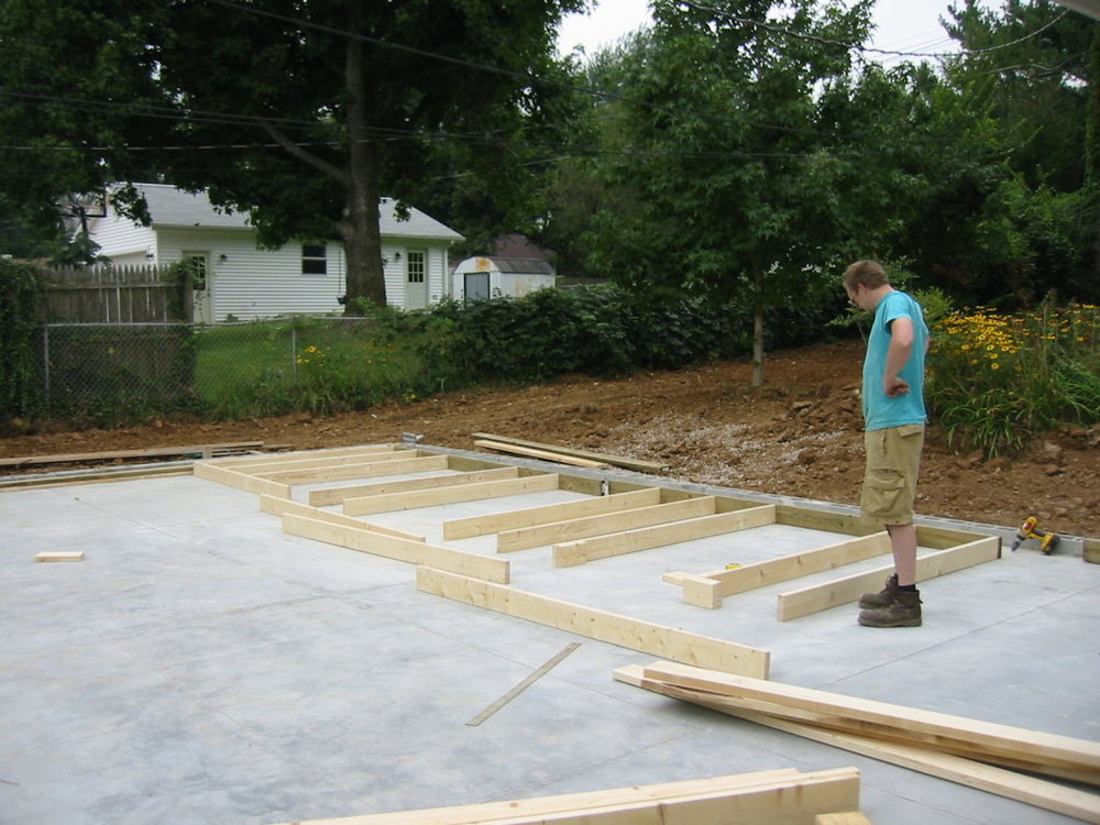 Aaron started framing the building at the very end of August 2004.