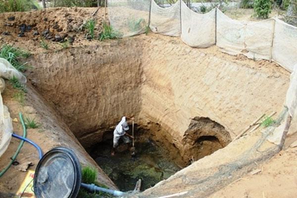 Digging a hole.jpg