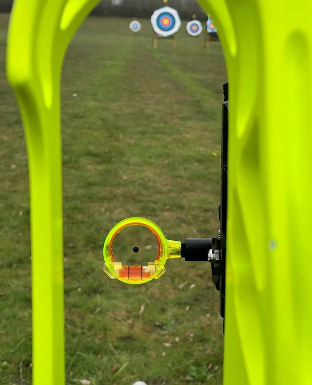 How good does the @beiterarchery scope fit my bow color?! its like a match made in heaven 👼 .⠀ As always, Storm It, Win It! . #beiter #beiterarchery #beiterscope #stormitwinit #compoundbow #archery #competition #progress #training #goals #inspiration #usaarchery #nfaa #archerylife
