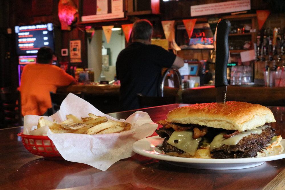 burgers in silverton