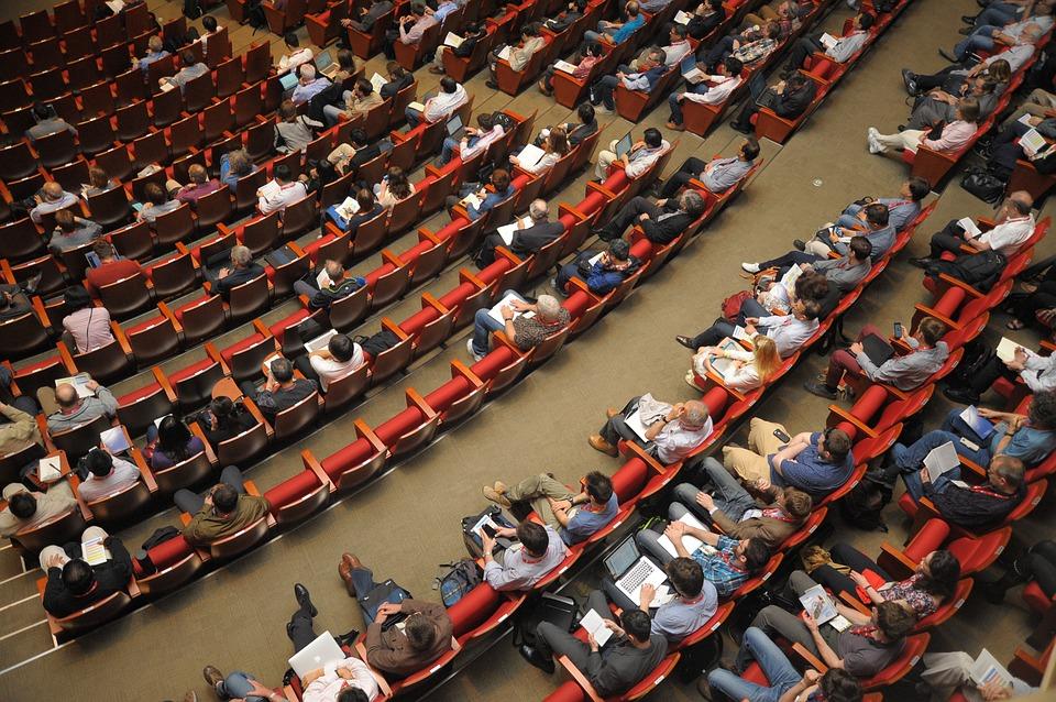 Transformer une conférence en TUNNEL DE VENTE:L'importance du sujet - Point A.3 de l'article que nous conseillons de lire