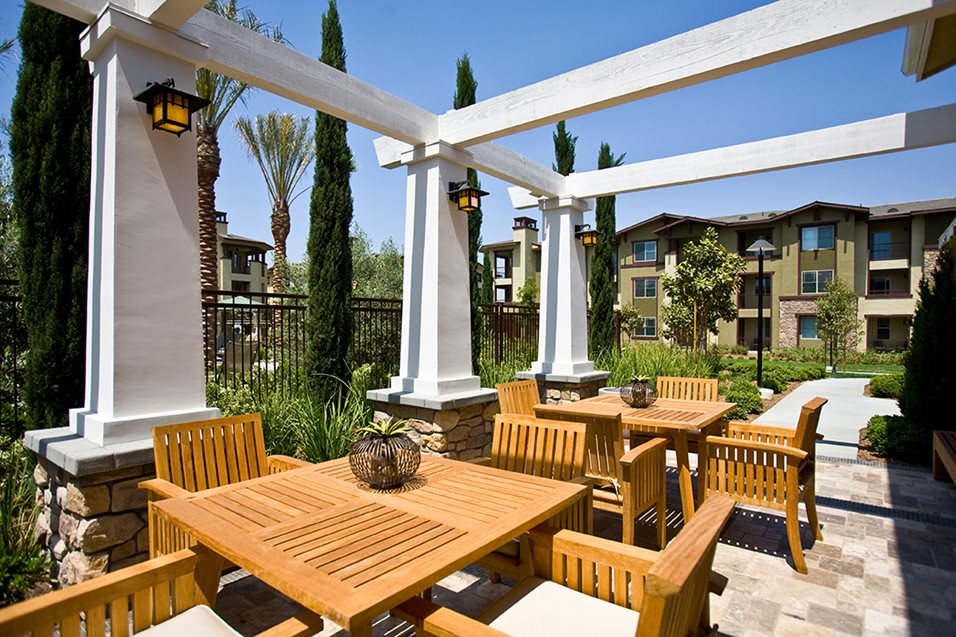 BBQ Grill Seating at Dakota Apartments in Winchester CA.jpg