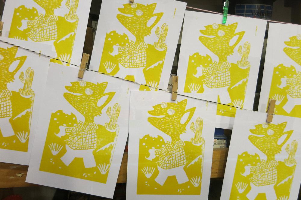 10-iluspress-ilustracion-fotopolimeros-grabado-taller-letra-por-letra-papel-principal-letterpress-imprenta-tipografica-1.jpg
