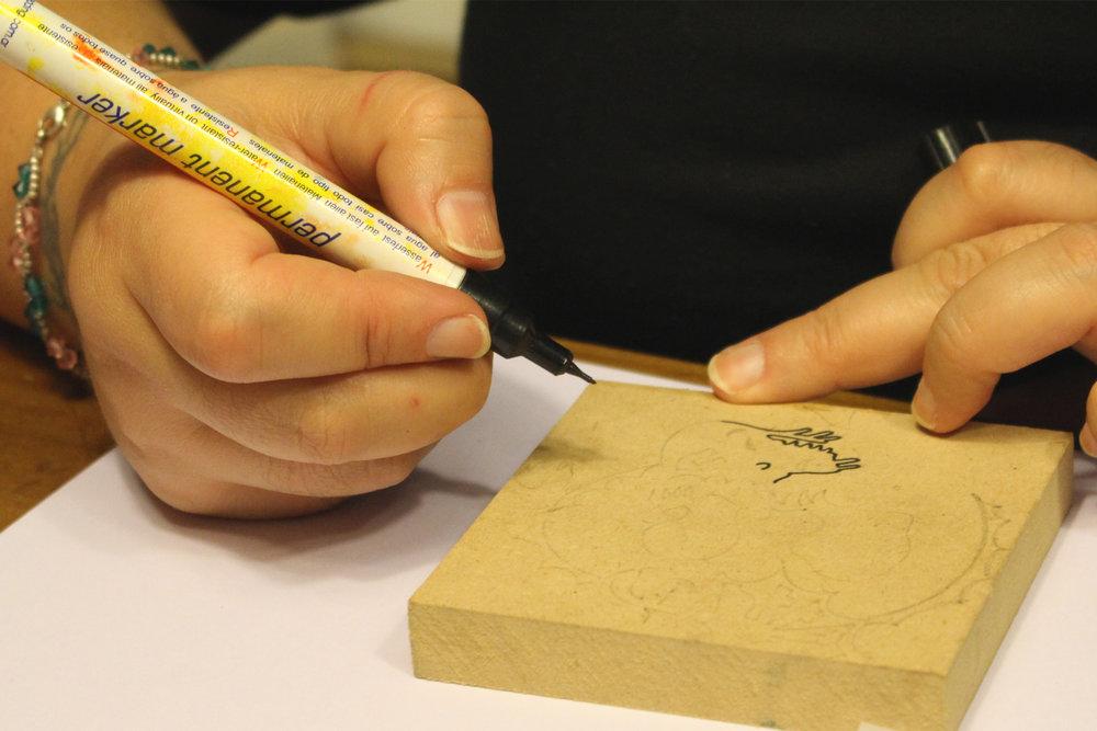 00000-xilopress-xilografia-ilustracion-fotopolimeros-grabado-taller-letra-por-letra-papel-principal-letterpress-imprenta-tipografica-1.jpg
