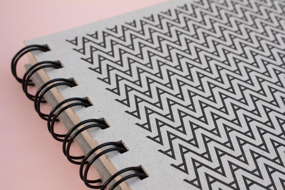 3-futura-cuderno-a5-colecciona-coleccion-papel-principal-letterpress-imprenta-tipografica-artesanal.jpg