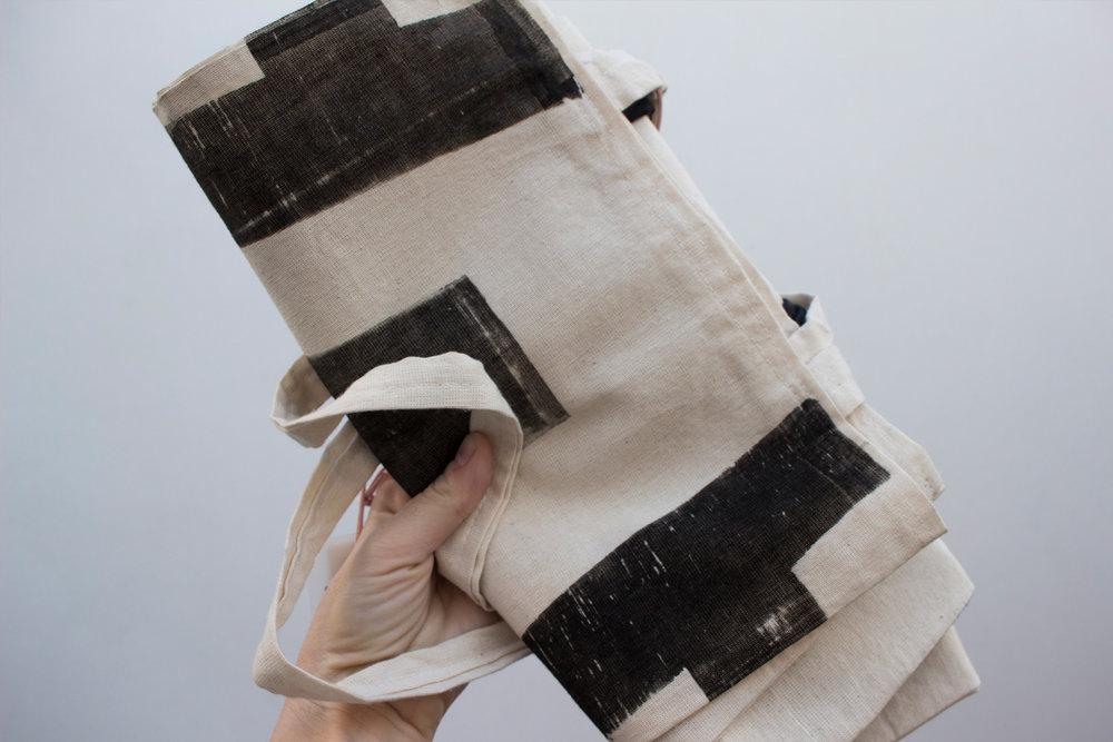 3-tote-bag-tipografico-coleccion-A-papel-principal-letterpress-imprenta-tipografica-artesanal.jpg