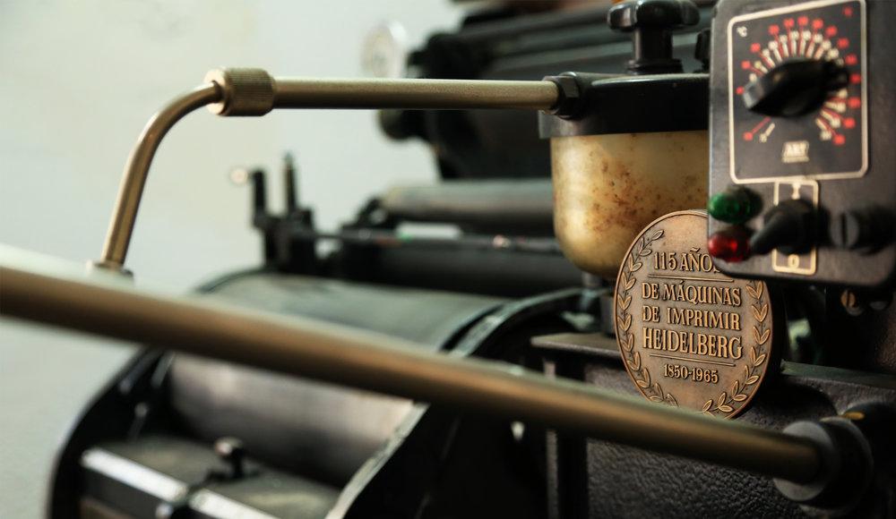 17-home-papel-principal-letterpress-imprenta-tipografica-artesanal.jpg