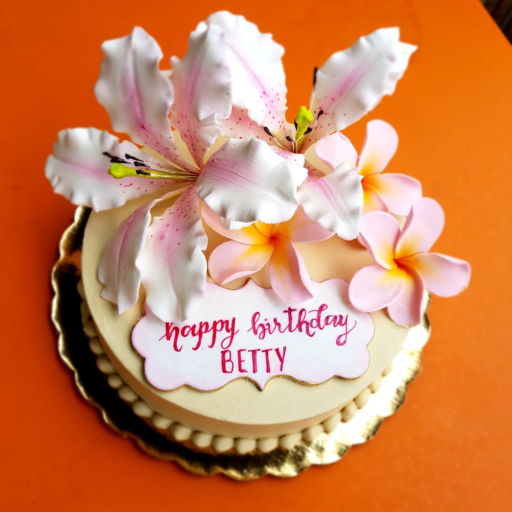 Copy Of Buttercream Birthday Cake With Sugar Lilies And Plumerias Hilo Hawaii Big Island Kailua