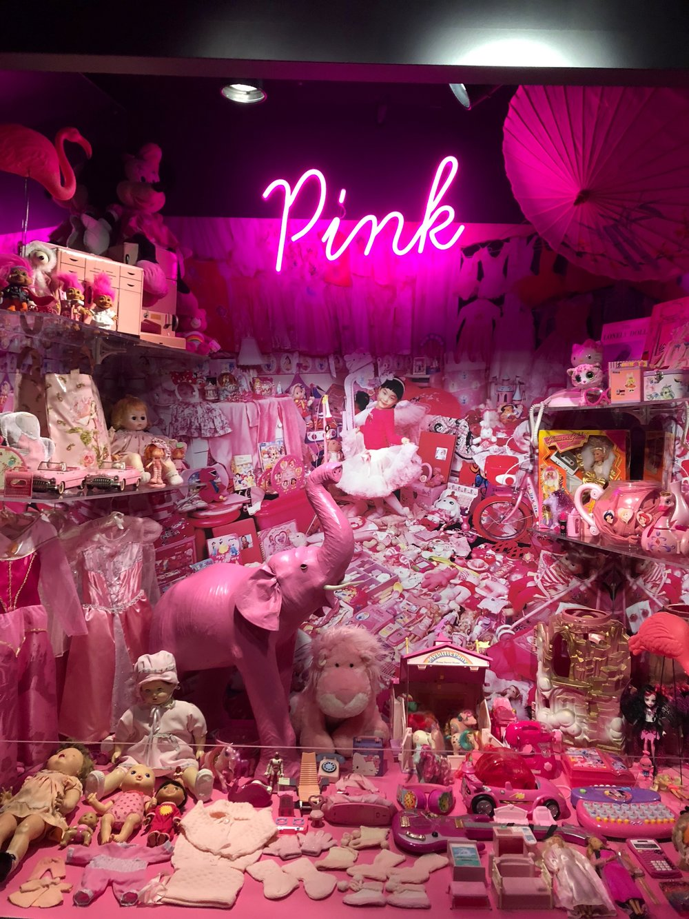 A little girl's bedroom in pink