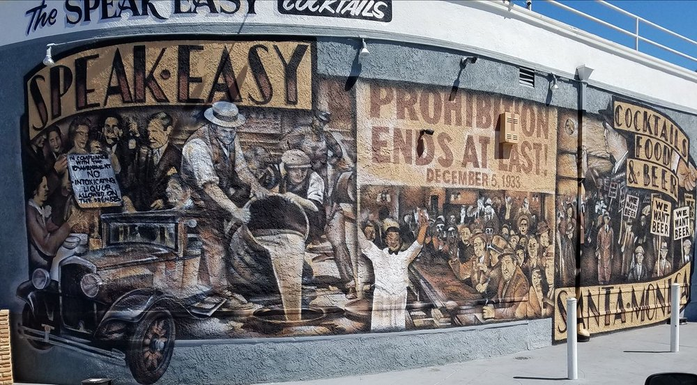 speak-easy-speakeasy-prohibition-mural-bar-cocktails-dive-american-food-karaoke.jpg