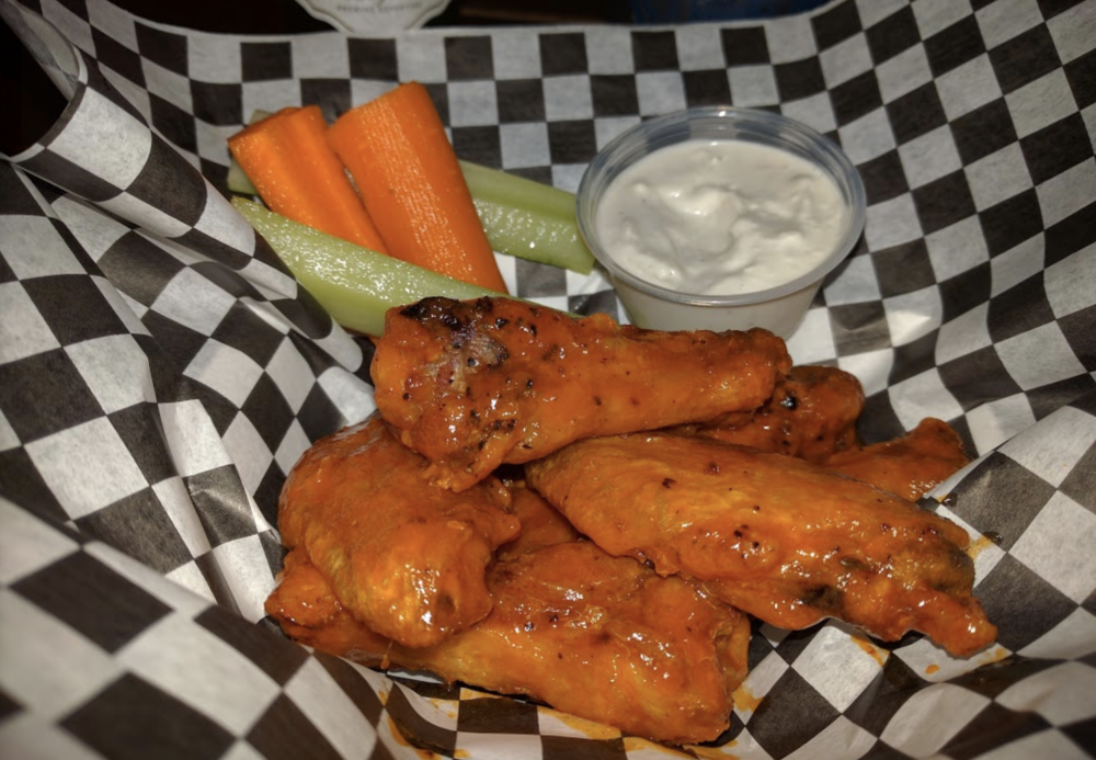 From 4:00 pm to 7:00 pm,7 days a week.We serve the classics: Burgers, Grilled Cheese, Sliders, Wings, Chili Bowls, and more… -