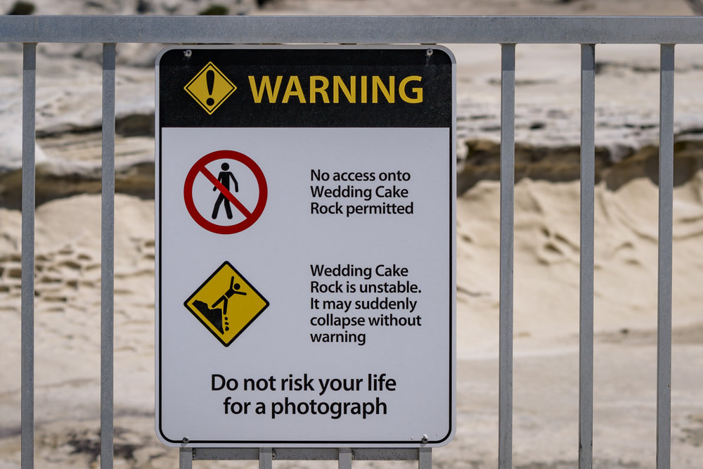 Do not risk your life for a photograph. Although warnings are prominent, visitors pose for selfies with the signs before jumping the fence.