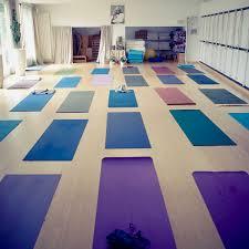 yoga studio anuttara.jpg