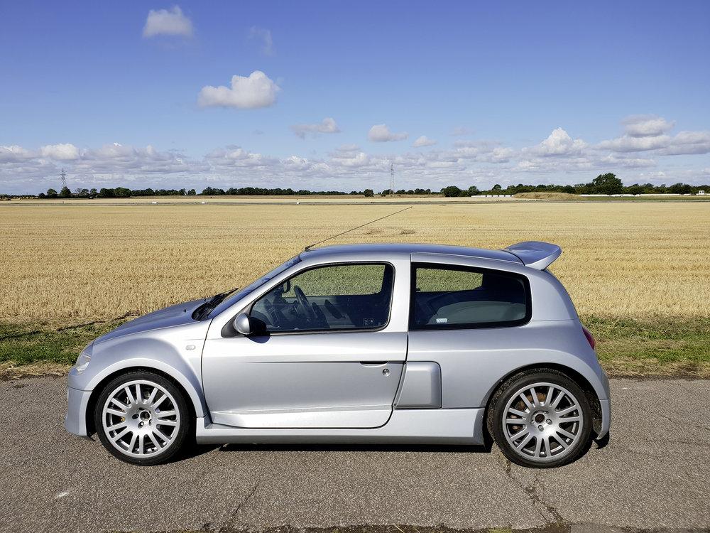 Clio V6.jpg