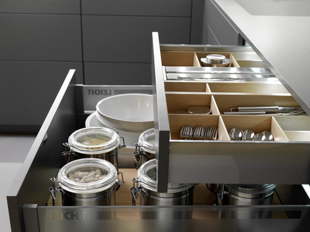 contemporary-kitchen-leicht