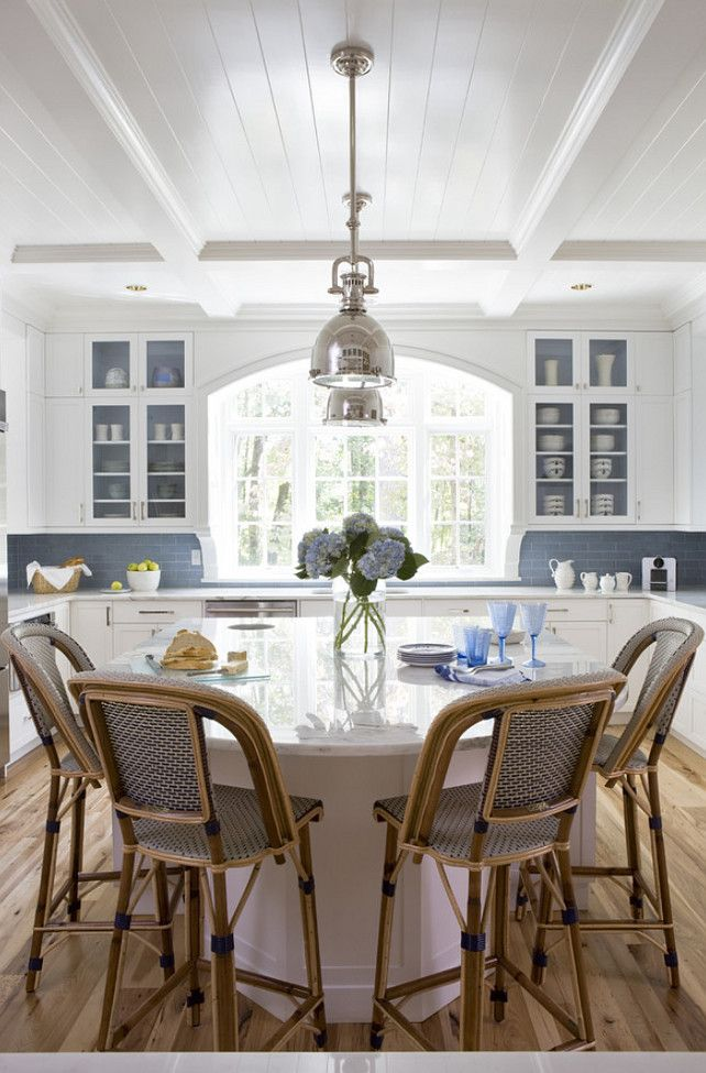 blue and white kitchen - home bunch
