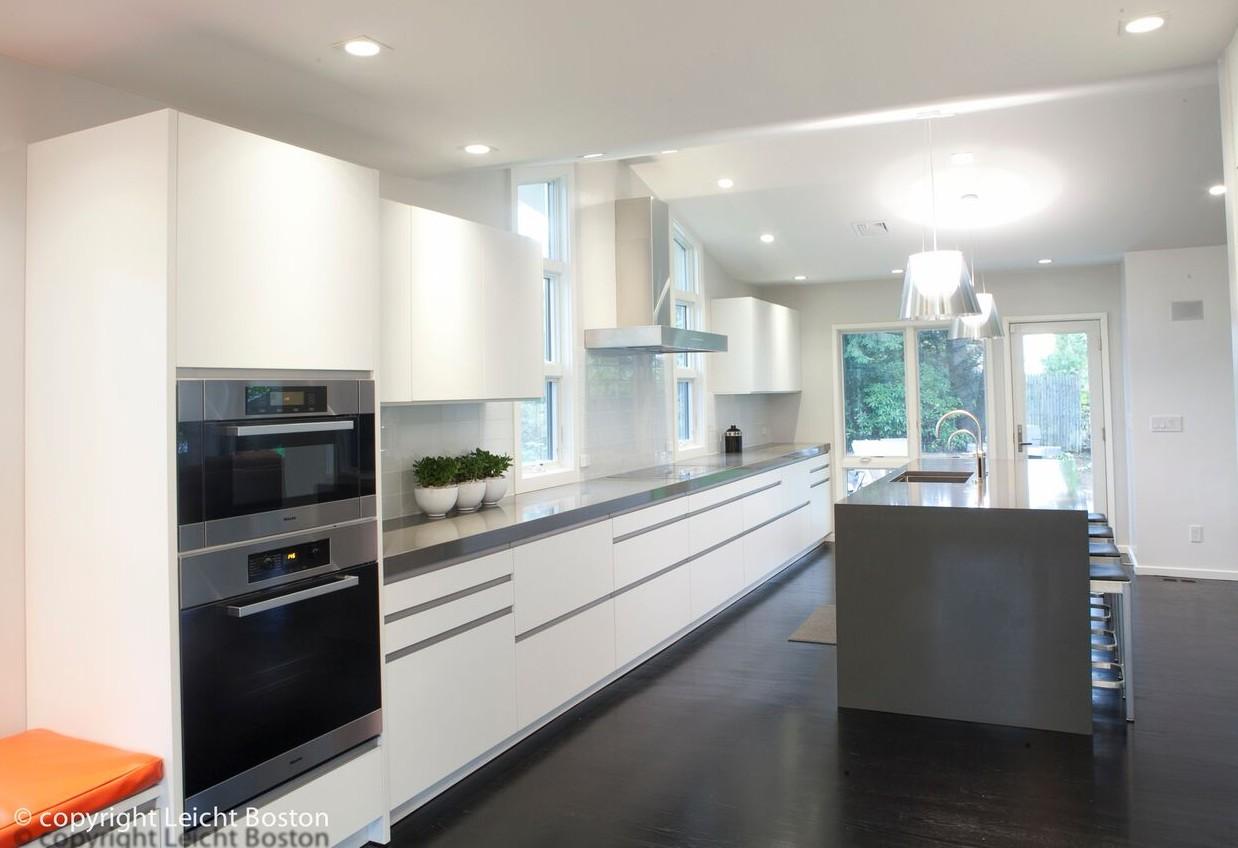 A single wall modern kitchen layout