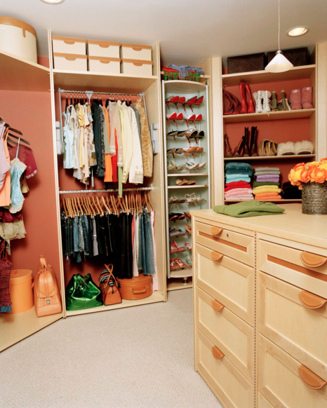 Photo via Lisa Adams, LA Closet Design