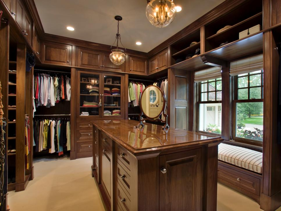 closet lighting options - HGTVjpg