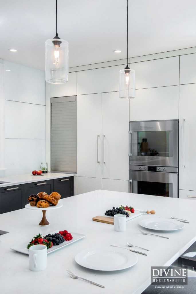 two tone kitchen cabinets charcoal white