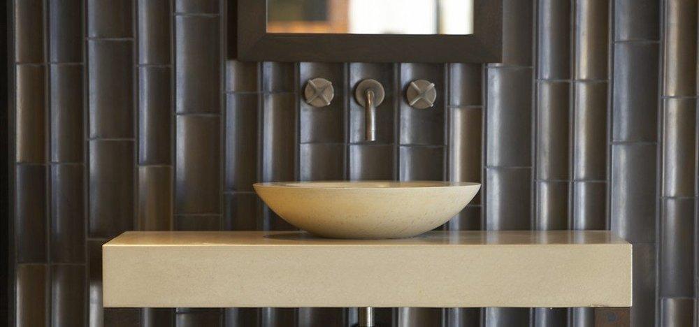 Gotham_Install_4-tile-for-a-kitchen-backsplash