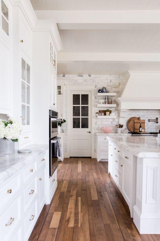 rachel-parcell-blogger-kitchen.jpg