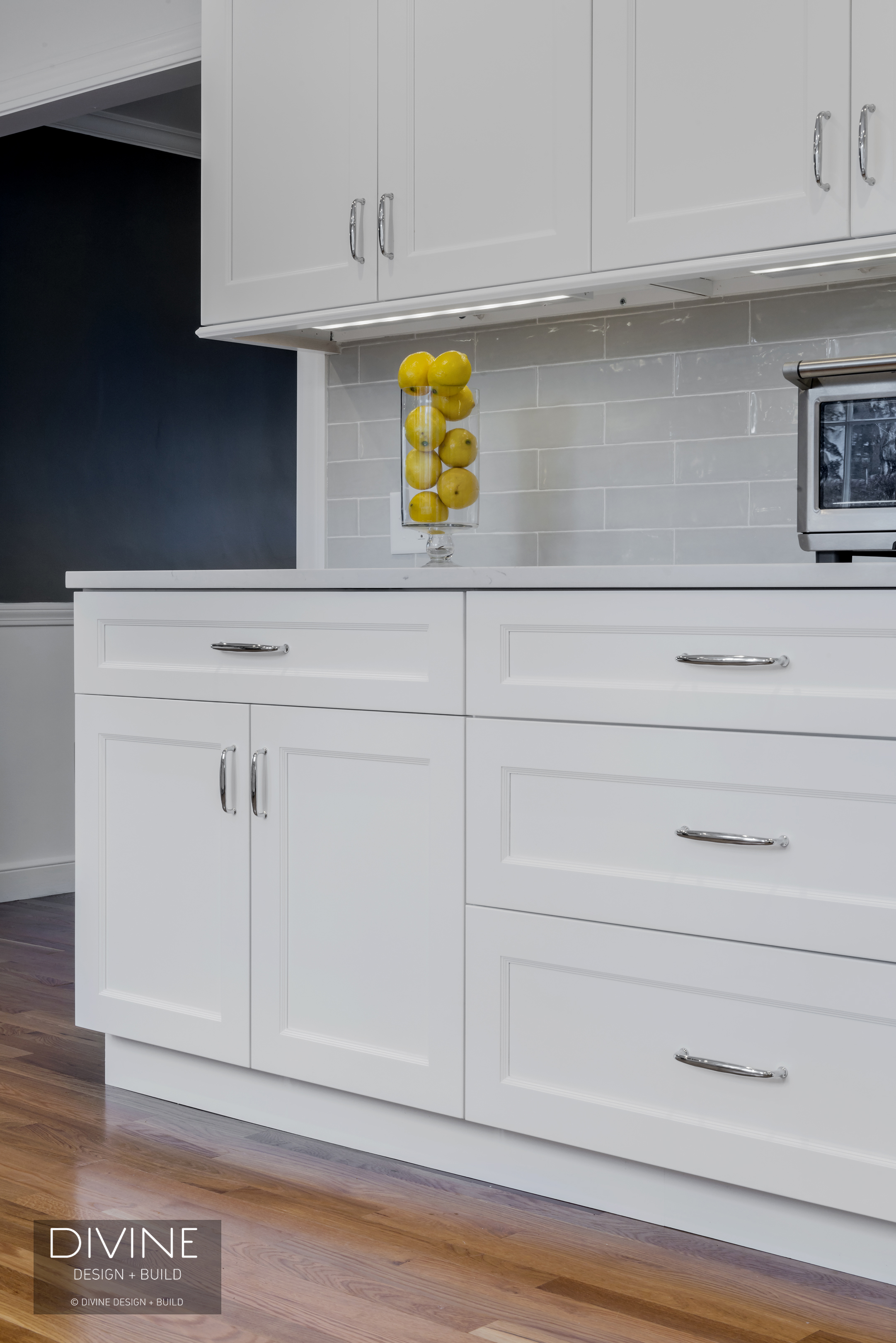 8 Pictures Of Kitchens With Subway Tile Backsplashes Divine Design