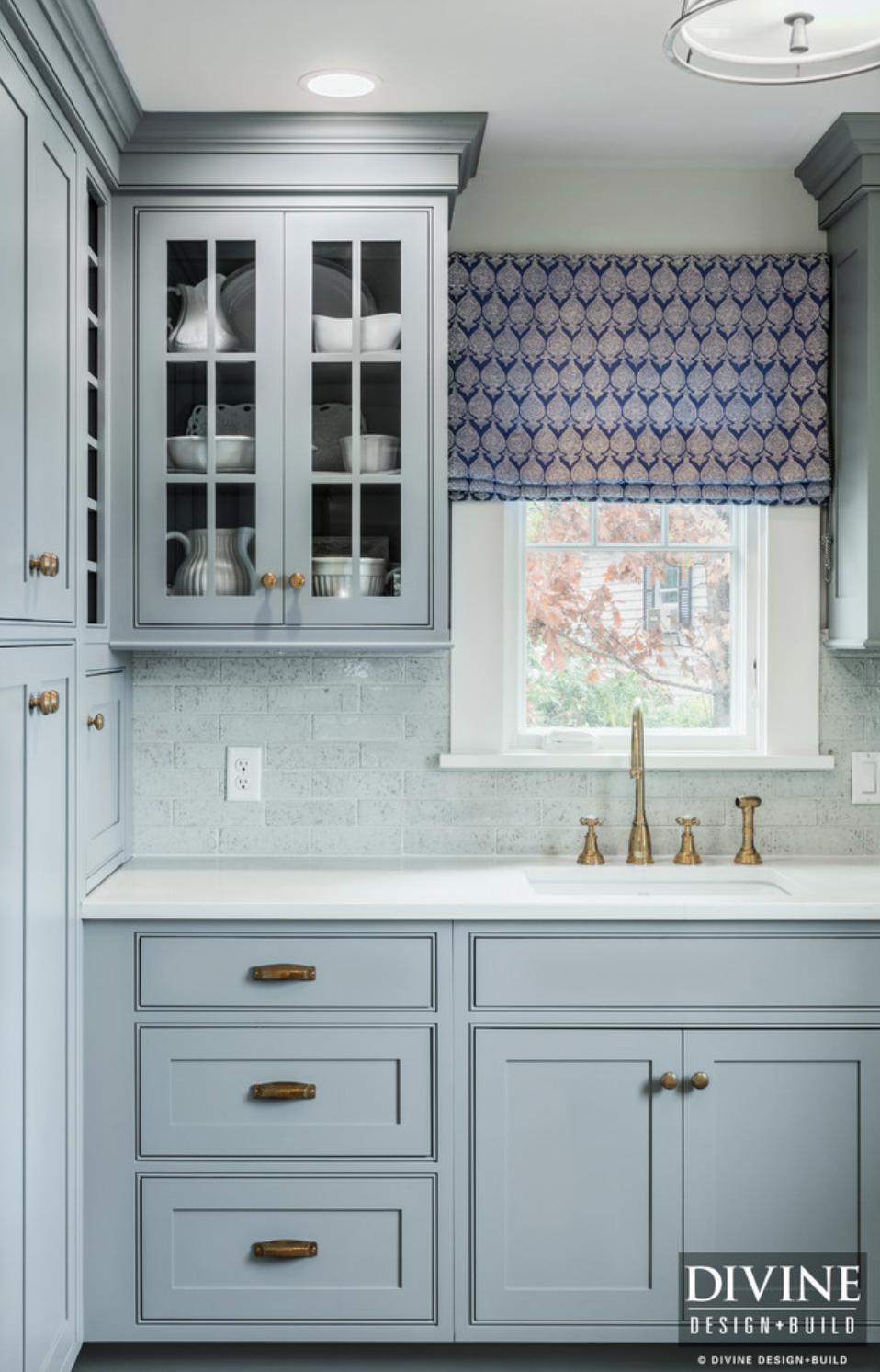 8 Pictures of Kitchens With Subway Tile Backsplashes — Divine Design ...