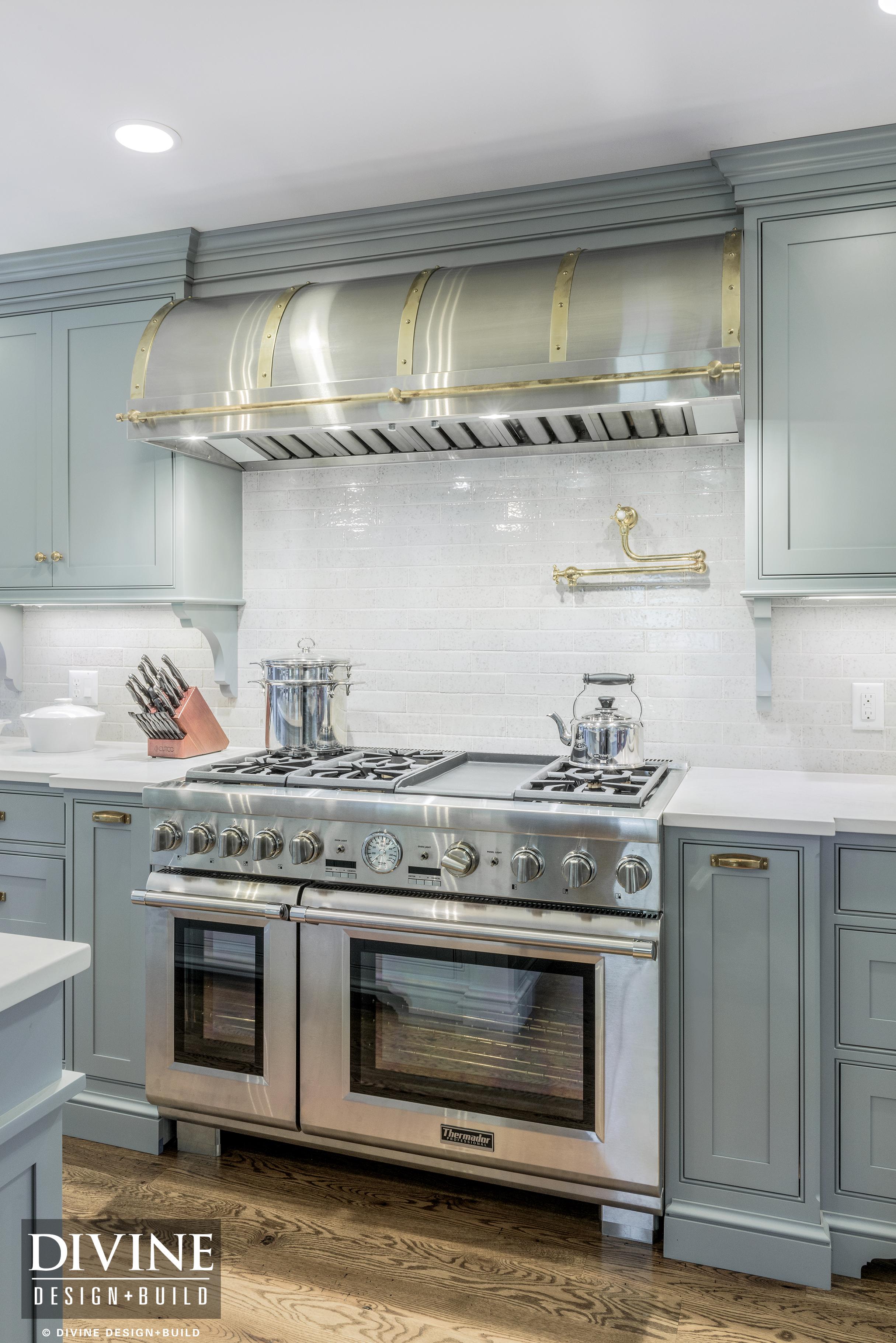 A Guide To Luxury Kitchen Cabinets Divine Design Build