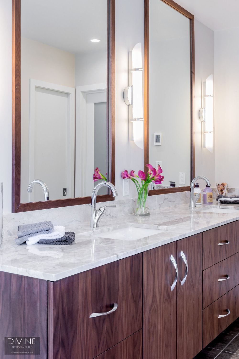 Boston Lincoln Contemporay Transitional Bathroom — Divine Design+Build