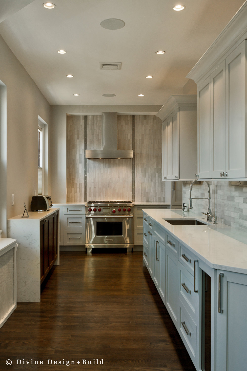 Boston-Beacon-Hill-Transitional-kitchen (2).jpg