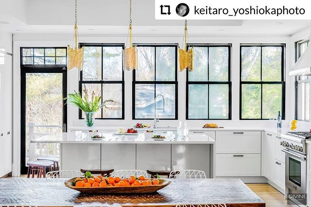 One of our favorite projects from #NewtonMA Repost from @keitaro_yoshiokaphoto. . . . #interiordesign #designer #bostondesign #modern #kitchens #kitchendesign #modernkitchen #luxurydesign #luxuryhomes #instahome