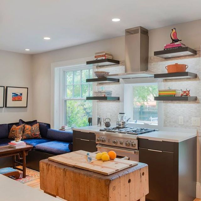 This eclectic @leichtkuechen kitchen in Winchester brings the modern sensibility of Leicht to a small space to maximize storage.⠀ .⠀ .⠀ .⠀ @leichtusa #german #designblog #designer #designporn #designideas #decoration #decorating #moderndecor #homedecor #kitchendesign #kitchensboston #livingthedream #lifestyle #lifestyleblogger #bostondesigner #bostonblogger #interior #instahome #instacool #interiuer #interior123 #interioinspo #luxurylifestyle #luxuryblogger #luxurydesign #luxuryhomes⠀ https://buff.ly/2NHYFe2